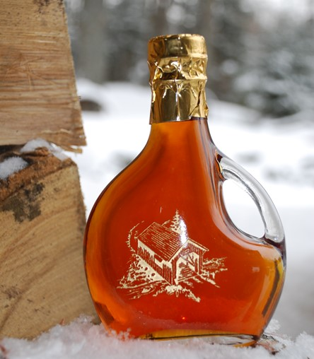 Sweet Retreat Etched Bottle with covered bridge