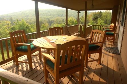 Sweet Retreat Guesthouse deck